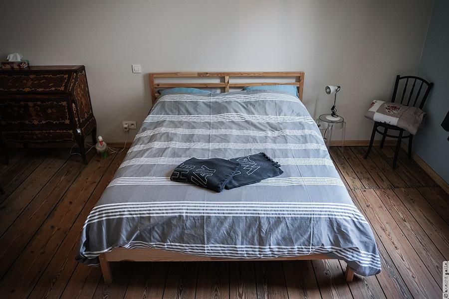 Een kamer met een hart en meer moois